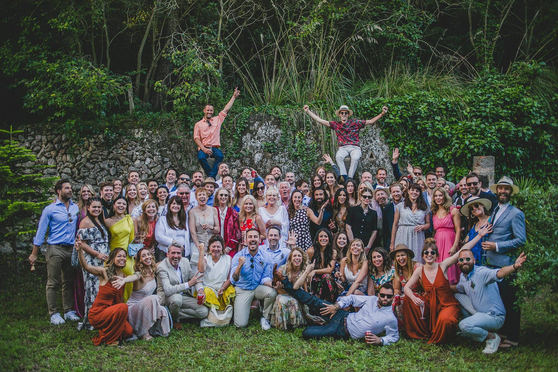 group shot of all the wedding guest